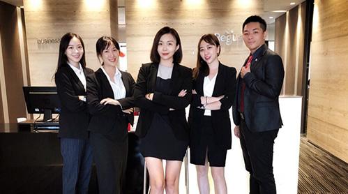 中国台湾移民公司员工风采